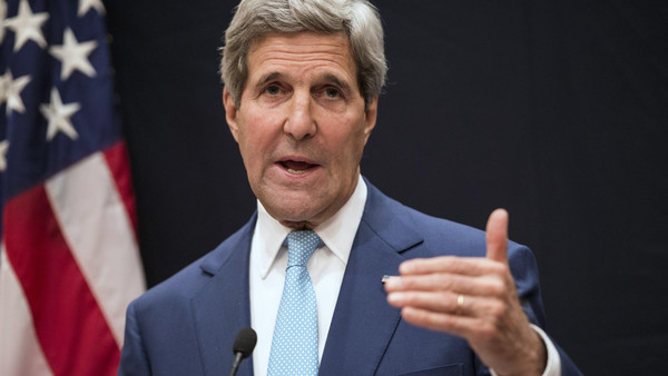U.S. Secretary of State John Kerry speaks during a joint news conference in Cairo June 22, 2014. Kerry said on Sunday the United States wanted Iraqis to find an inclusive leadership to contain a sweeping Islamist insurgency but Washington would not pick or choose who rules in Baghdad. Kerry was speaking at the start of a Middle East tour after talks in Cairo with Egypt's new President Abdel Fattah al-Sisi which covered Western concerns over Egypt's crackdown on the Muslim Brotherhood and the fallout of the crisis in Iraq.   REUTERS/Brendan Smialowski/Pool (EGYPT - Tags: POLITICS)