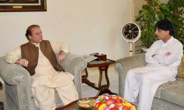 Px08-002 ISLAMABAD: Jun08 – Federal Minister for Interior Chaudhry Nisar Ali Khan called on Prime Minister Nawaz Sharif in Islamabad. ONLINE PHOTO